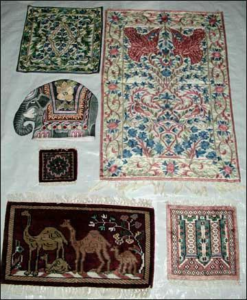 Silk & Woolen Chainstitch Carpets, Mats & T-Co-zee