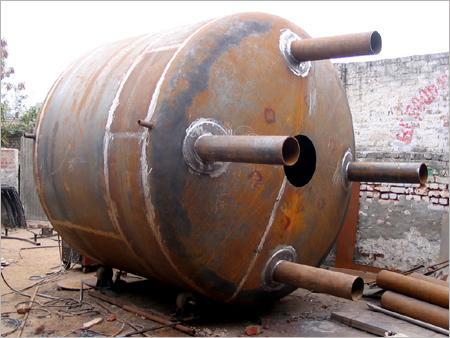 Fabricated tank (chemical equipments)