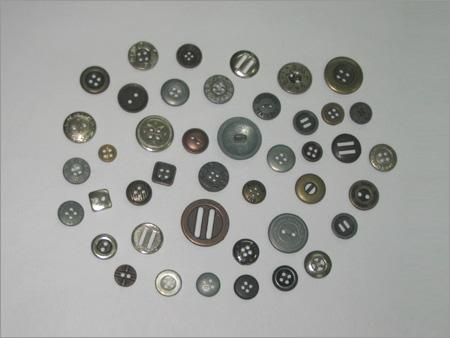 4 Holes Buttons