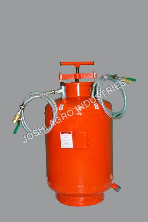 Fertilizer Tank With Assembly (Flat Bottom)