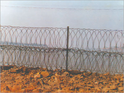 Razor Wire For Open Air Fencing
