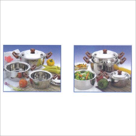 SS Round casserole wooden Handle Hot Pot (Gift set