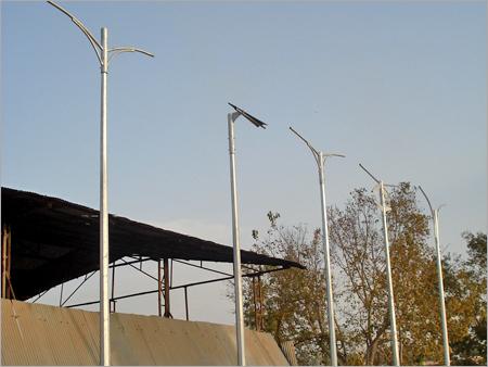 Polygonal lighting poles