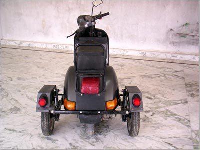 Side cars manufacturer,vespa scooter India,side cars exporter,vespa