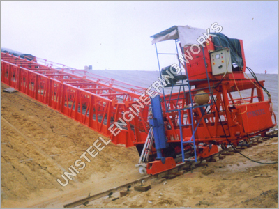 Reservoir Concrete Paver Machine