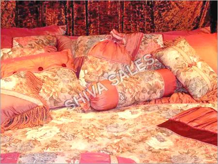 Jacquard Silk Velvet Chenille Bedding Sets