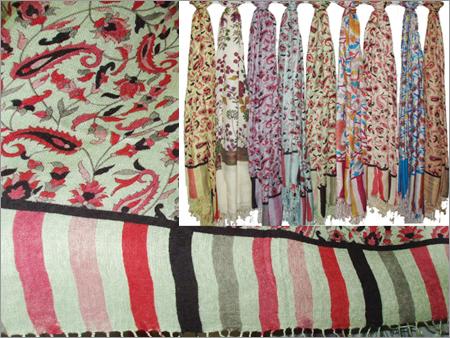 70% Silk, 30% Viscose with Kani Print (70x200cm)