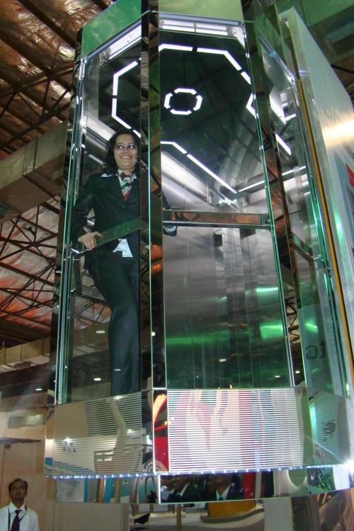 Mirror Finish Glass Capsule Elevator