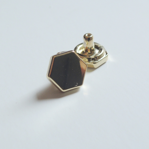 8.5MM Hexagon Shape Rivet (HD-009)