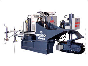 Slipform kerbing machine