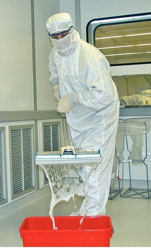 CLEAN ROOM MOPPING SYSTEM FOR FLOORS