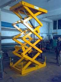 Hydraulic Cargo Lift