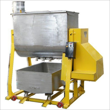 Spices Oil Mixing Machine