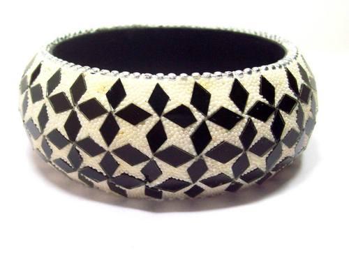 Fashion bangle