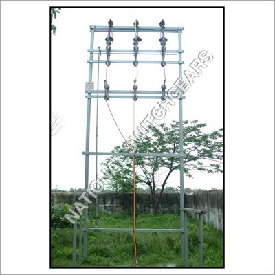 Double Pole structure