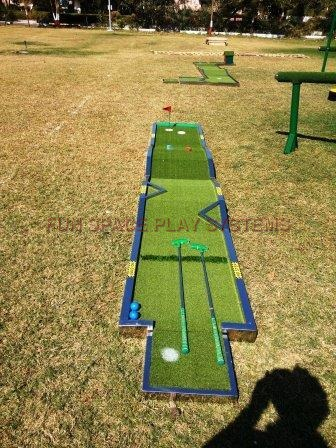 Portable Mini Golf Putt Course