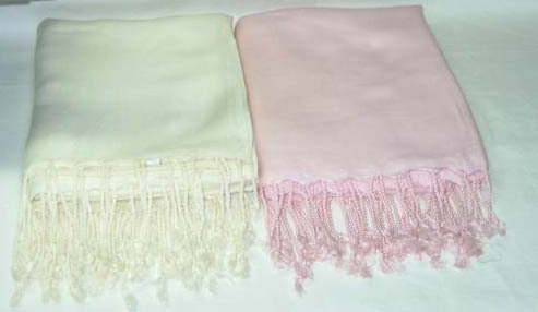 Viscose shawl with fringes