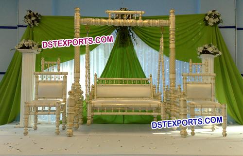Wedding Pearl Swing Stage