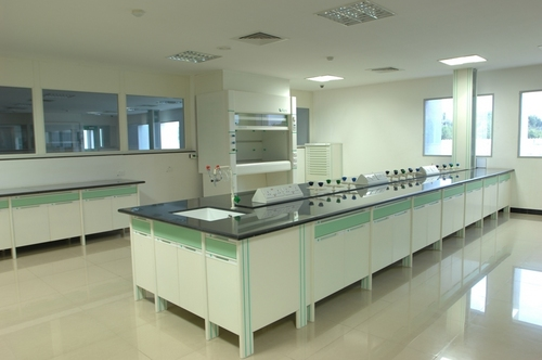 Fume Hood & Lab Furniture