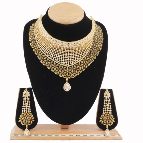 A.D. Necklace Set