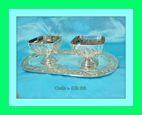 Tray with 2Pc. Sq. Bowls with Pandi & Oxidised