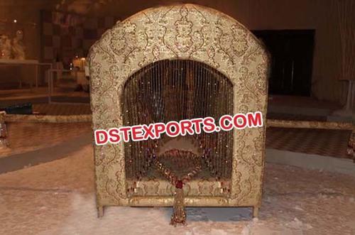 Wedding Designer Golden Doli