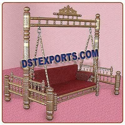 Royal Golden Wedding Swing