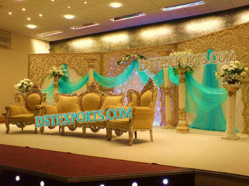 STYLISH WEDDING GOLD STAGE SET