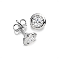 Designer Platinum Nose Pin