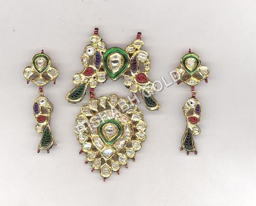 Traditional Kundan Meena Pendent Set