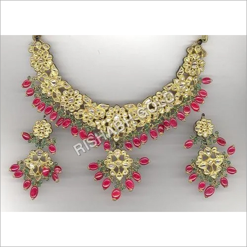 Gold Kundan Necklace Set