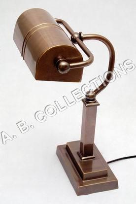 BUNKER RECT BASE DESK LAMP