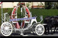 Wedding Beautiful Bride Cinderella Carriage
