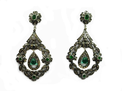 3.77 CT REAL DIAMOND AND CREATED EMERALD VICTORIAN EARRING