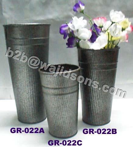 Zink Vase
