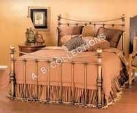 METAL BRASS ANTIQUE QUEEN SIZE BED