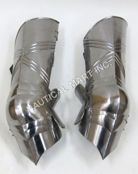 Gothic Leg Guard Armor Set