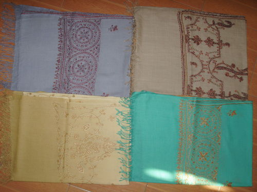 semi pashmina designed needle work boarder