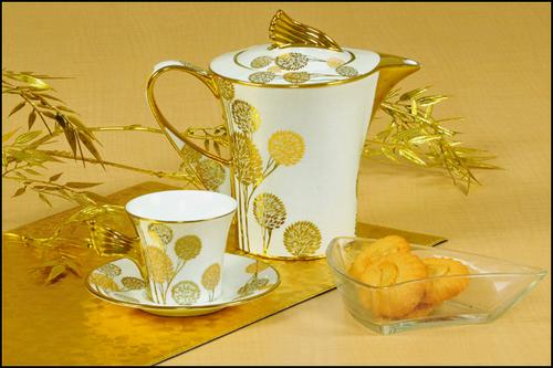 Tea Set Ebony