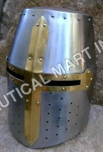 Crusador Warrior Leather Helmet