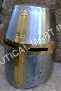 Crusador Warrior Leather Helmet