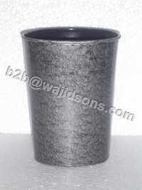ROUND PLANTER BLACK WASH