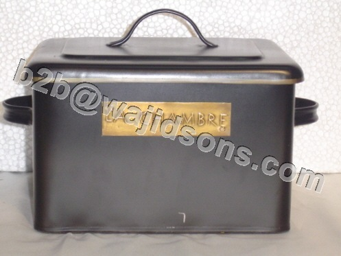 TOOL BOX WITH LID