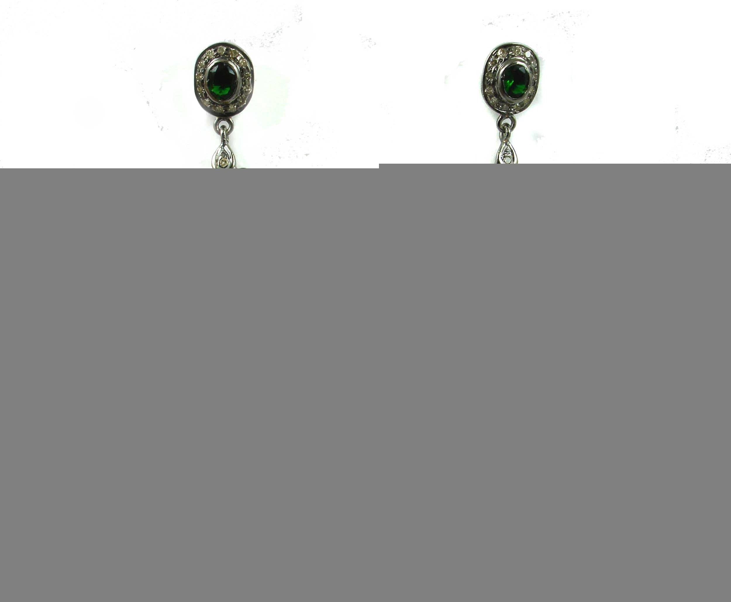4.73 REAL DIAMOND EMERALD EARRING
