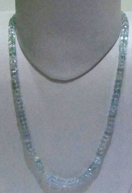 Aquamarine Facetted String