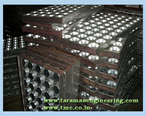 Auto Baking Trays