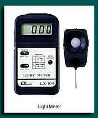 LUX METER(LIGHT METER)