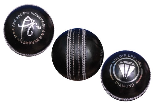 APG Black Diamond Cricket Ball