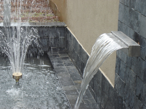 WALL CASCADE WITH 4 STEP FOUNTAIN NOZZLE