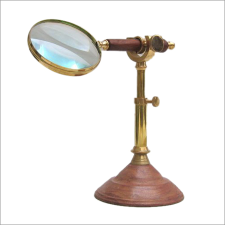 Magnifying Glass Wooden Handel Wooden Stand